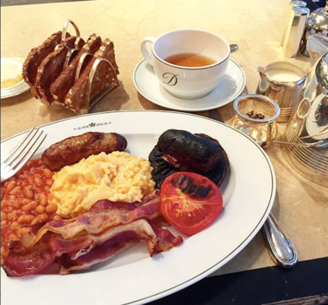 English Breakfast at the Delaunay